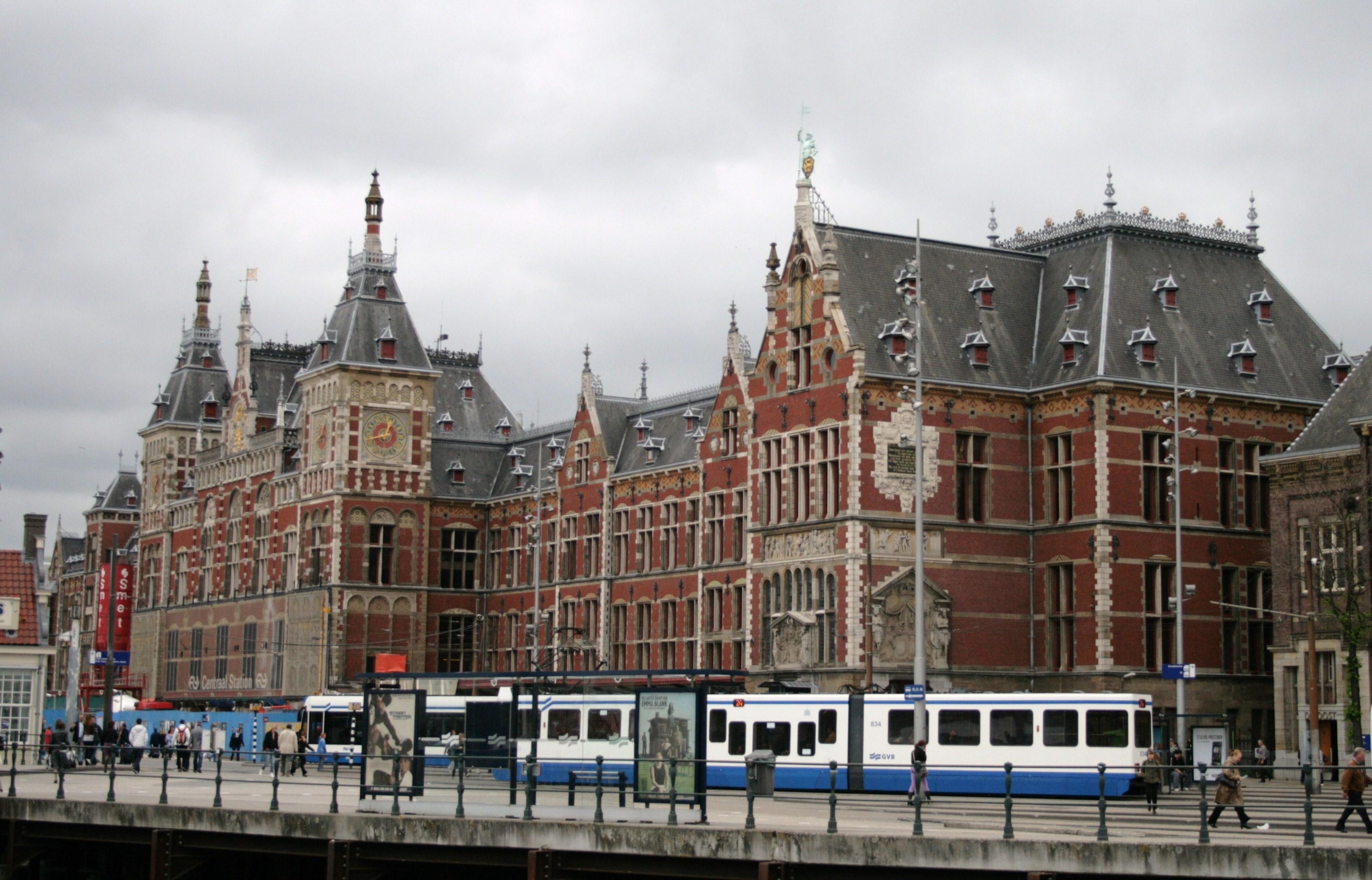Amsterdam we kwamen eraan for Design consultancy amsterdam