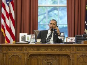 Obama aan het bellen