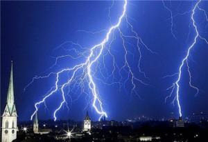 kerken, donder en bliksem