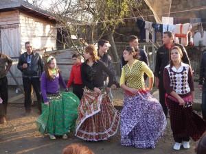 Roma dancing